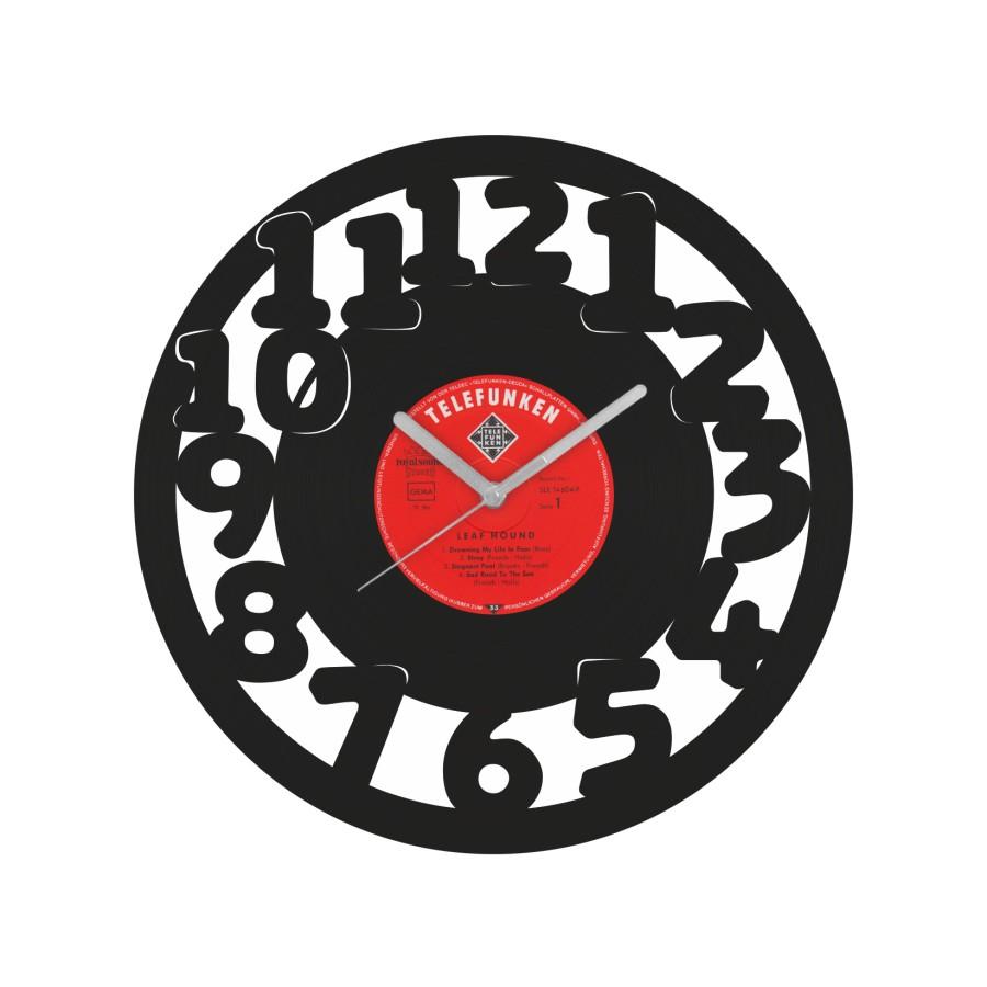 Laikrodis iš perdirbtos vinilinės plokštelės